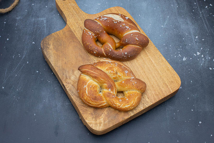 Difference between lye bath and baking soda bath on sourdough pretzels